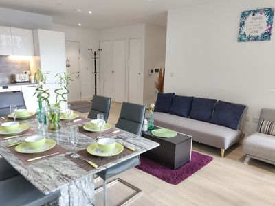 Photo for ❀⚘ Luxury 2-bedroom 5-bed close to ExCeL O2 & City