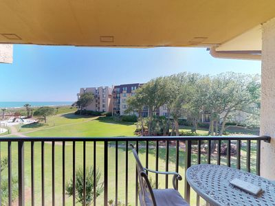 Photo for Oceanview condo w/ shared pool, hot tub & full kitchen - close to the beach!