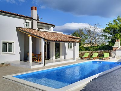 Photo for Villa with private pool, 3 bedrooms, air conditioning, WiFi, BBQ, nice terrace and large plot - pets are allowed