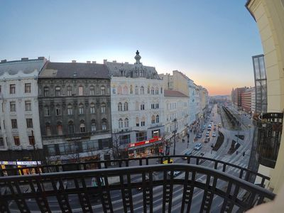 Photo for Spacious 2 bedroom apartment with balcony in the center