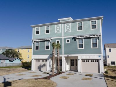 Photo for Upscale 4 bedroom townhome with ocean views