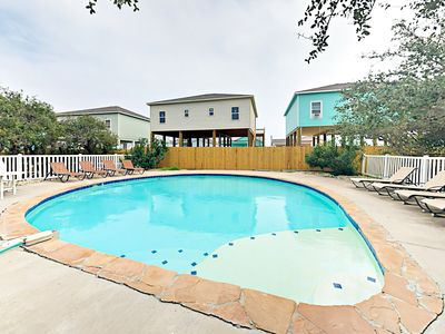2nd Pool - Guests of this rental will enjoy access to the community pools.