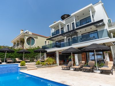 Photo for Super Modern 5 Bedroom Villa, Private Heated Pool & Roof Top Jacuzzi