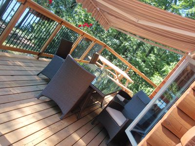 outdoor dining deck--seats 10