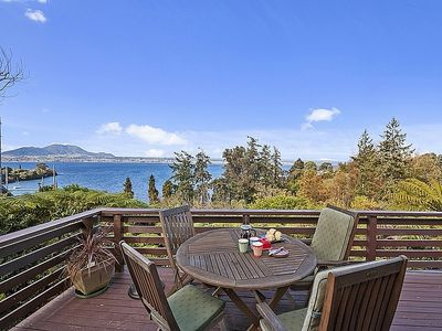 Photo for Lakeview Lockwood - Acacia Bay Holiday Home