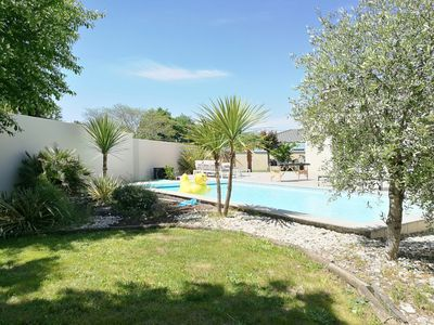 Photo for Superb Villa with swimming pool in calm between Bordeaux and the ocean