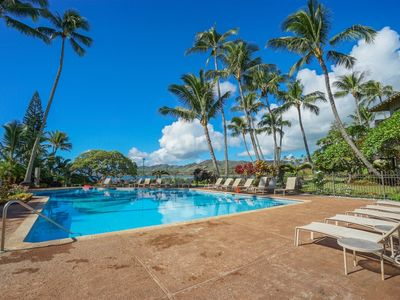 Photo for Tropical gardens and beachfront wait for you here at this Jewel of the Island