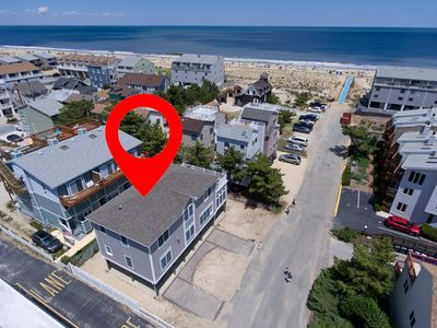 Photo for 17 Dagsworthy St - Amazing Roof top Deck, Stunning Large Sunny Townhome, Beach block, steps to the ocean in Dewey Beach. 4 bed 2.5 bath. Off street parking. Sleeps 10, **Includes Linens+Towels **