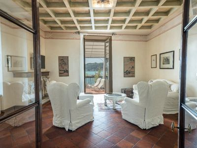 Photo for Le Colombe- Elegant apartment in a noble antique Palazzo