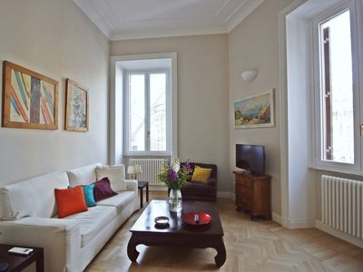 Photo for Wonderful apartment in the heart of Trastevere
