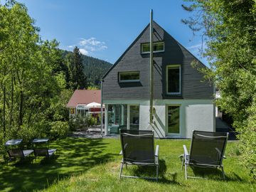 Luxury holiday home Dieboldsberg: sauna, whirlpool, fireplace, games gallery & playground