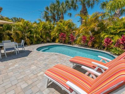 Private Heated Pool - 5-7 Minutes from the Gulf!