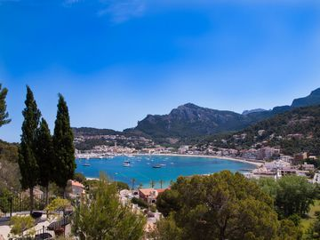 A unique stone house with spectacular views of the Bay of Sóller