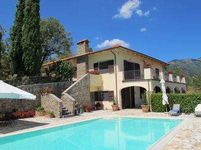 Photo for Holiday villa in quiet, wooded Casamona in Tuscany