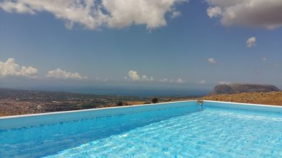 Photo for Confortable appart. 130 sq. m. with covered terrace 30 sq. m., pool and sea view