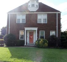 Photo for 5BR House Vacation Rental in Hasbrouck Heights, New Jersey