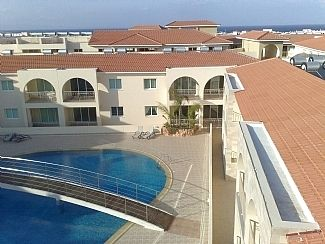 Photo for Ground Floor Apartment with Pool View