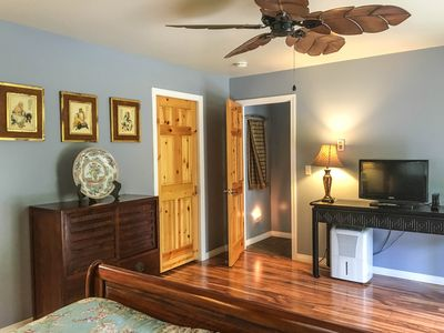 Photo for Beautiful 4BD/2.5BA with Jacuzzi, Outdoor Dining and BBQ!