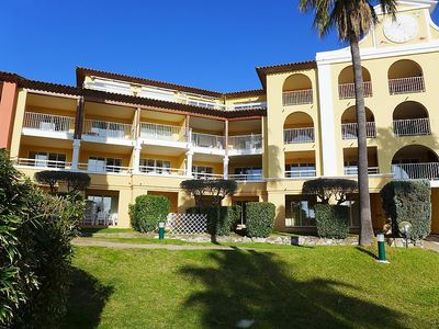 Photo for Apartment in Roquebrune-sur-Argens with Lift, Parking, Internet, Pool (673549)