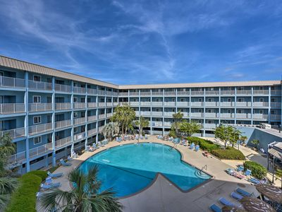 Photo for Hilton Head Resort Condo w/ Pools, Beach Access!
