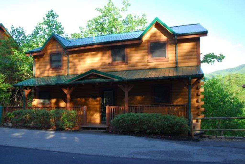 Gatlinburgs heavenly view august dates a vrbo for Heavenly view cabin sevierville tn