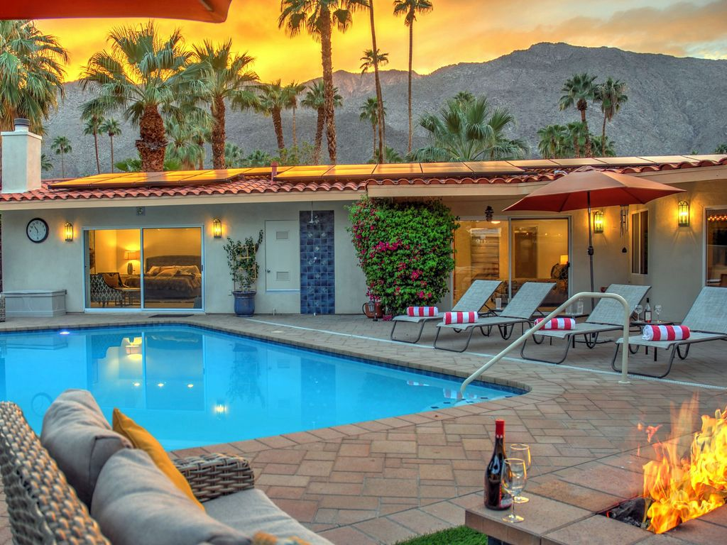 Hidden Haven  4 BR  4 BA House in Palm Springs  Sleeps 8. Hidden Haven  4 BR  4 BA House in Palm Springs       HomeAway
