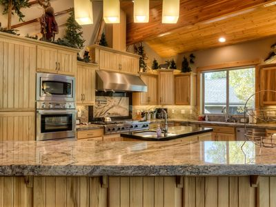 Incredible commercial style kitchen http://www.bluepacificvacationrentals.com/