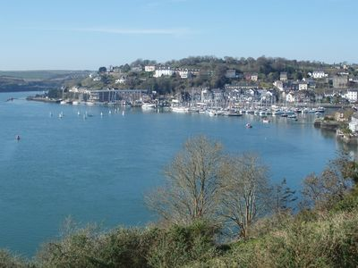 Photo for Kinsale, 2 Bed holiday apartment, stunning harbour views and private parking
