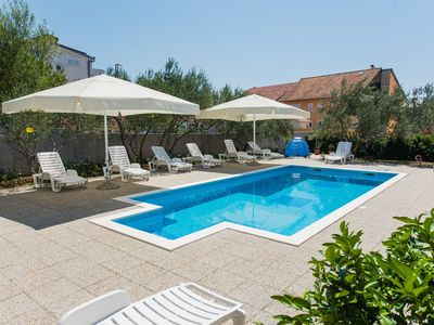 Photo for Apartment with swimming pool, 8 guests