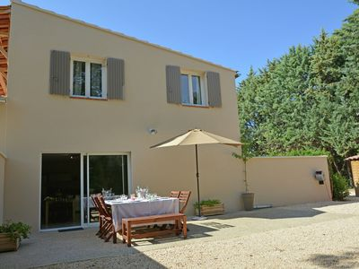 Photo for Beautiful modern air-conditioned villa with private pool near Carpentras