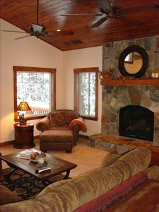 Living Room w/ Lake Views, 65' Plasma, DVD Libray, High Def Satellite, Fireplace