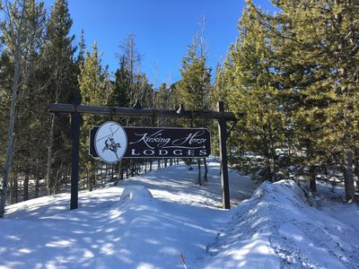 Welcome to Kicking Horse Lodges!