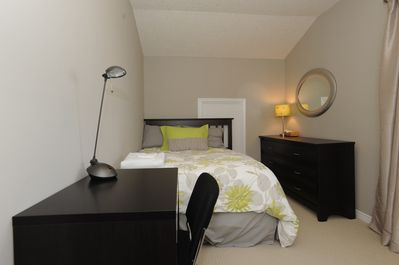 Guestroom with 1 double bed and sofabed
