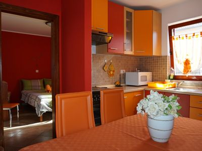 Photo for One-Bedroom Apartment with Beautiful Garden NB2