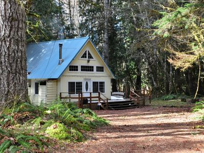 Photo for Mt Rainier Cabin Nesteled in the woods at Southeast Nisqually entrance.