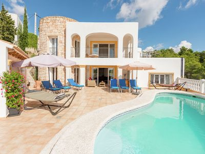 Photo for Luxurious, detached villa with swimming pool 10 persons + extra children