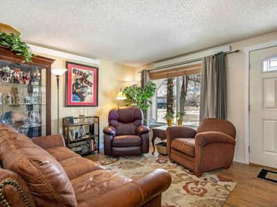 Photo for NEW DOG FRIENDLY LISTING! Townhome w/Jetted Bath Tub Central To All Skiing, Dining And Shopping
