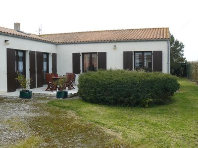 Photo for Comfortable house with garden boasts 700m2 located 250 m from the sea