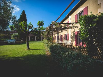 Photo for Splendid farmhouse in the heart of the Camargue