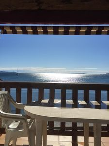 Photo for T2 La Capte, feet in the water, sea view terrace, direct access to the beach