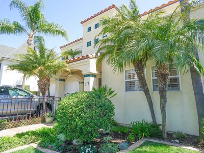 Photo for Upscale 2 bdr 2.5 bath home near beach w/beautiful outdoor private yard
