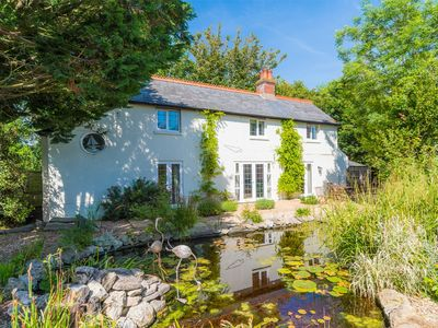 Photo for 3 bedroom Cottage in Totland Bay - IC105