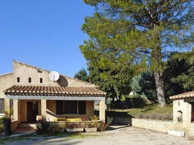 Photo for holiday home, Lauris  in Vaucluse - 6 persons, 2 bedrooms