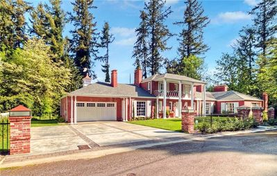 Photo for Stunning Historic Mansion near the Washington State Capitol & downtown Olympia