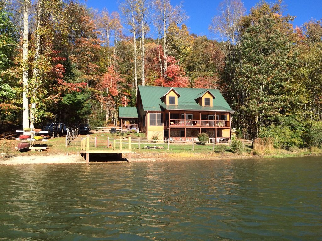 Luxury lakeview mountain cabin brevard ash homeaway for Cabins near hendersonville nc