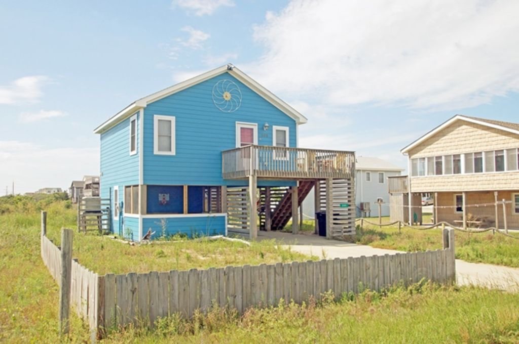 Oceanside Beach Cottage With Direct Access Great Views Pet Friendly
