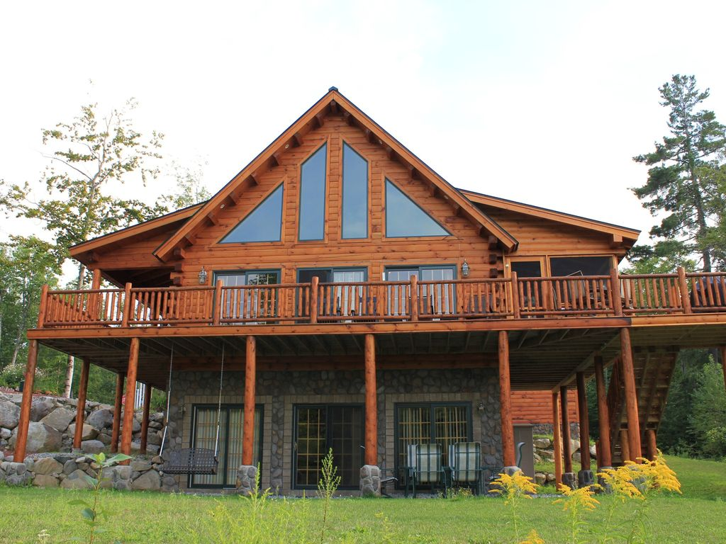 Large Log Cabin with 5 Bedrooms 3 Baths an HomeAway