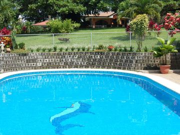 Leave the Cold behind, Winter in the Safe Quiet Paradise of Costa Rica