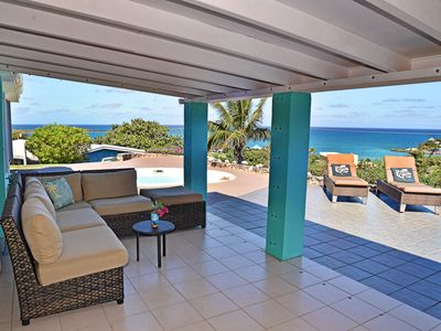 Photo for Gorgeous East End Villa 3/2 with Private Pool. Walk to Two Beaches.