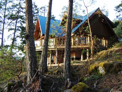 Log Home in beautiful wilderness setting with spectacular views